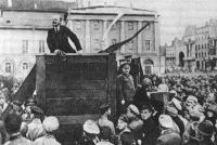 Lenin y Trotsky en un míting.